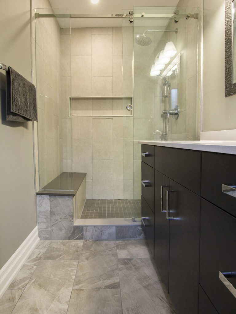 Master ensuite shower with bench and niche